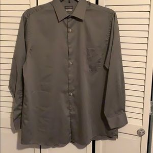 Van Huesen long sleeve dress shirt